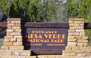 800px-Mesa_Verde_National_Park_entrance